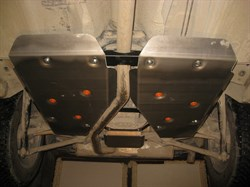 Защита топливного бака Land Rover Freelander 2 (2 части) 2,2  TD 2006-2013 - фото 5527